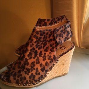 Cheetah peep toe shoes